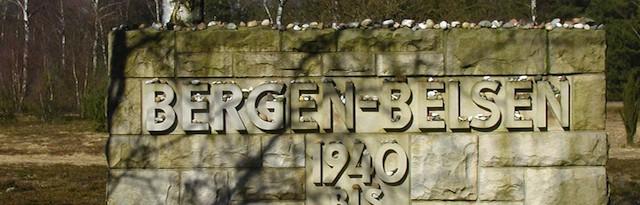 Gedenkstätte Bergen-Belsen: Gedenkstein auf dem ehemaligen Lagergelände. Foto Andreas Jäger. Stiftung niedersächsische Gedenkstätten