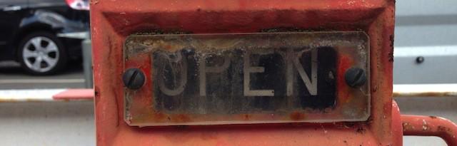 Open – Hydrant-Beschriftung